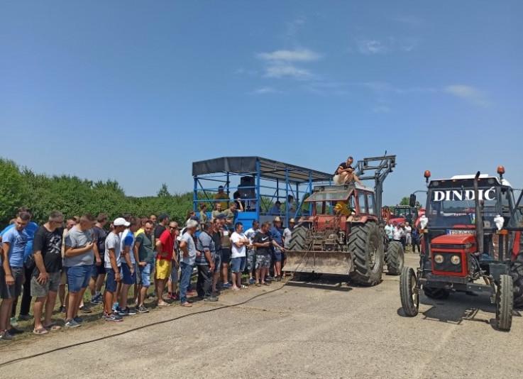 Najboljim traktoristima uručene su simbolične nagrade