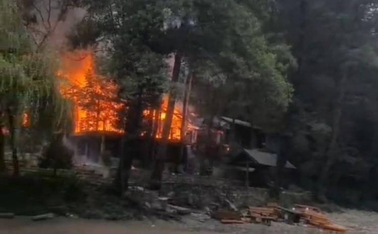 Požar su lokalizovali pripadnici Teritorijalne vatrogasne jedinice Foča