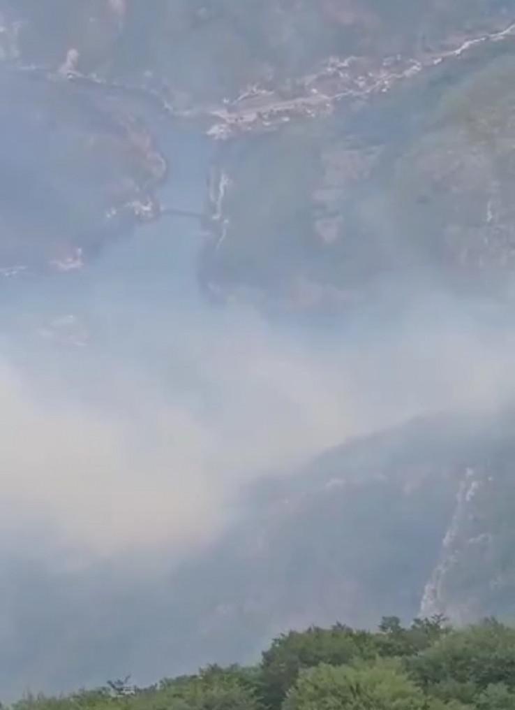 Pogled na požarište i Jablanicu jutros