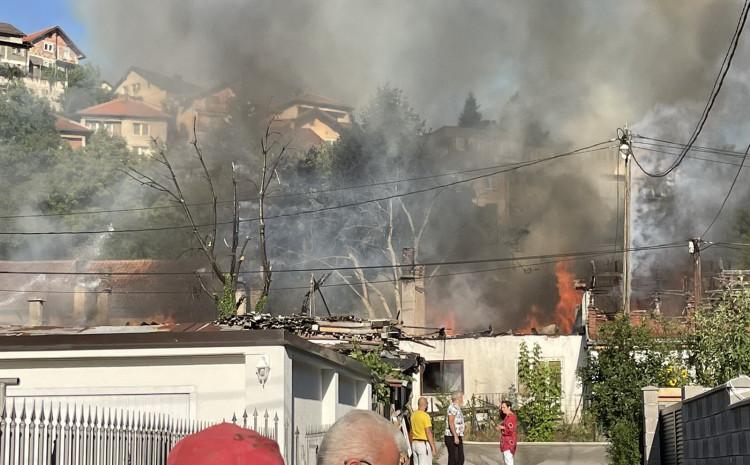 Požar u naselju Buča Potok