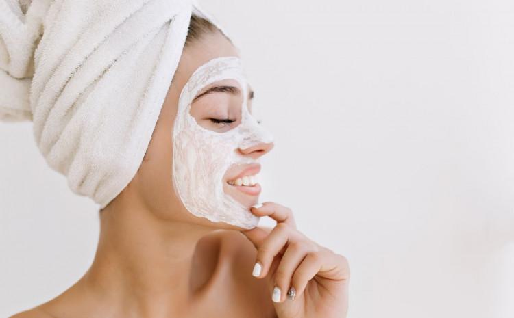 Maska za lice od jogurta smanjuje pore
