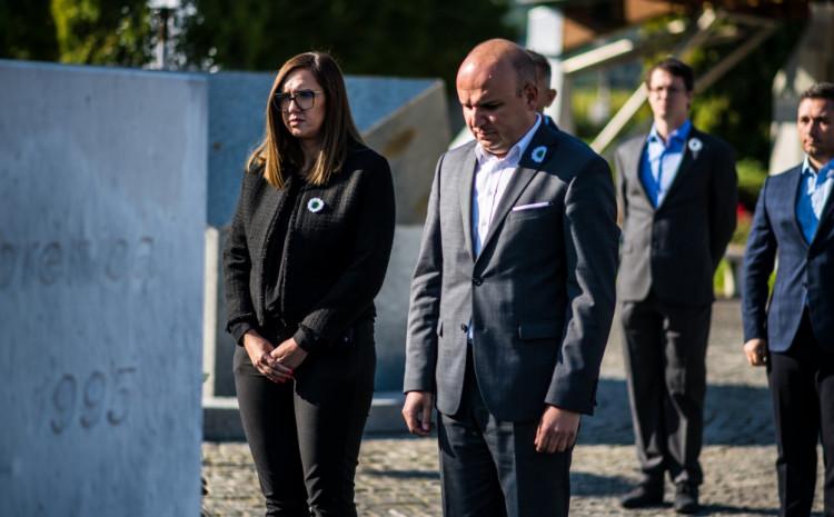 Odali počast ubijenim žrtvama genocida u Srebrenici