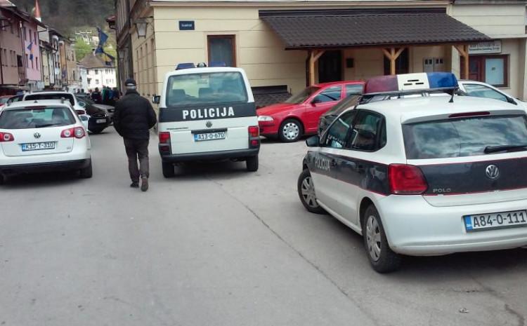 Migranti odvedeni u policiju