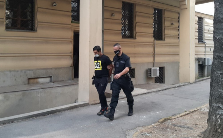 Odvođenje Nasera Abazija iz Tužilaštva
