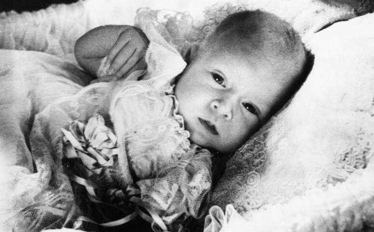 Pogledajte kako su izgledale kraljevske bebe kroz historiju