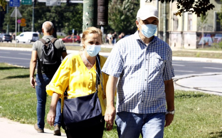 U Kantonu Sarajevo trenutno je 885 aktivnih slučajeva zaraze