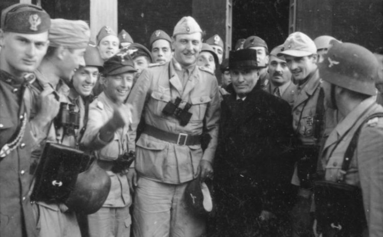 Njemački komandosi oteli Musolinija
