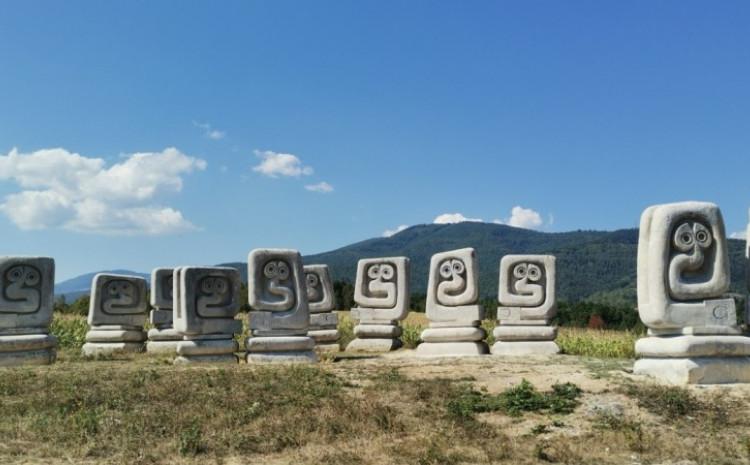 Spomenik obnovljen
