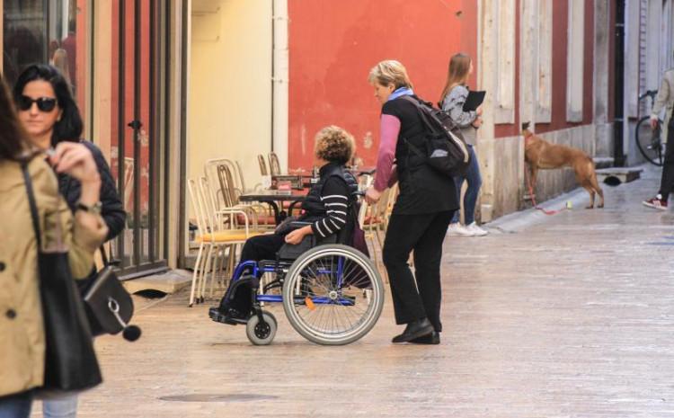 Počela isplata invalidnina