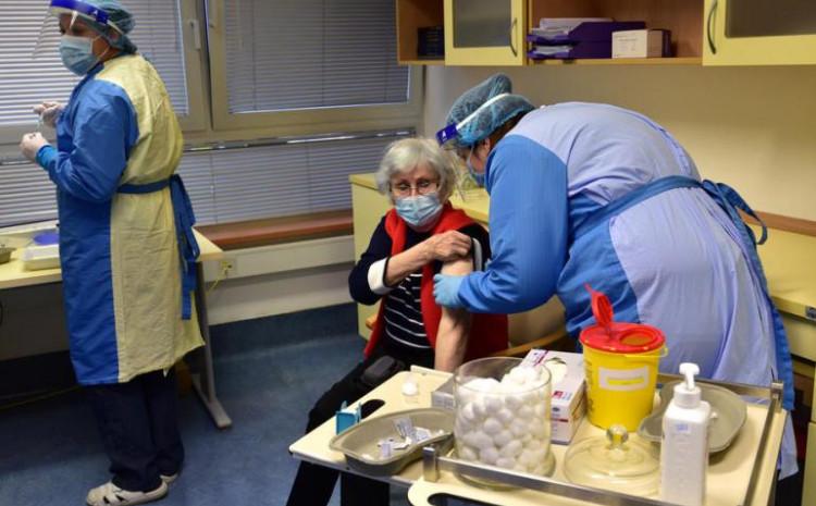 Nove mjere ponukale Slovence da se vakcinišu