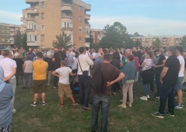 Na skupu više od 100 građana