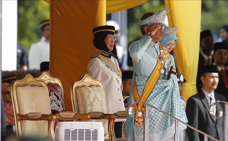 King Al-Sultan Abdullah Ri'ayatuddin Al-Mustafa Billah Shah and Queen Tunku Hajah Azizah Aminah Maimunah Iskandariah will visit the Battersea Power Station, Malaysia's iconic project in London, according to a ministry statement