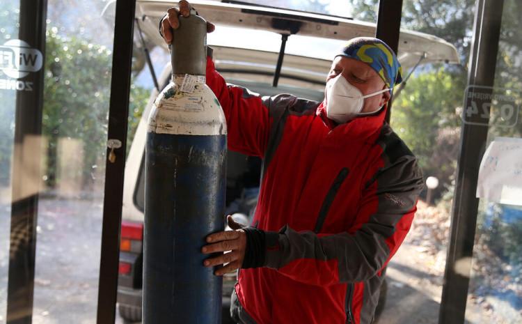 Miralem Mika Šabić pokazao kolika je ljudina kada je u jeku pandemije besplatno vozio boce kisika