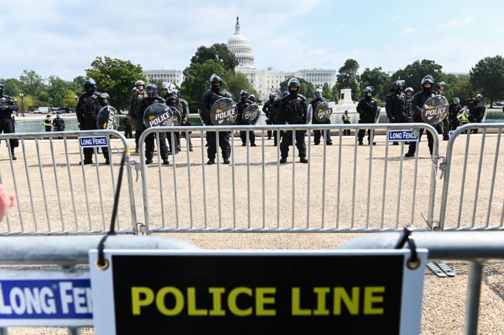 Stotine pripadnika snaga sigurnosti patrolirale su područjem Kapitola