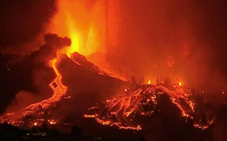 Lava uništila oko 100 kuća