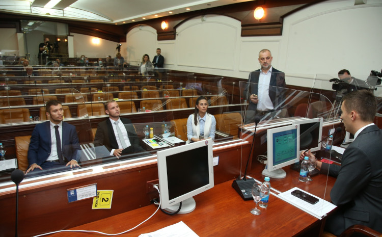 Verbalni sukob Stanivukovića i Ilića