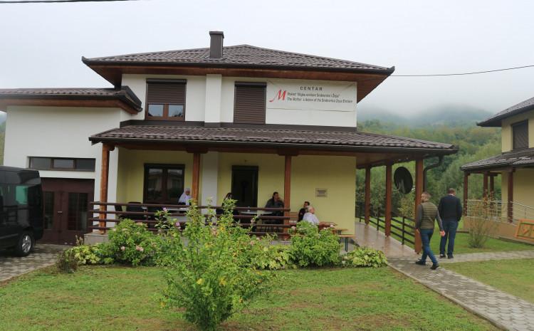 """entar Pokreta """"Majke enklava Srebrenica i Žepa"""""""