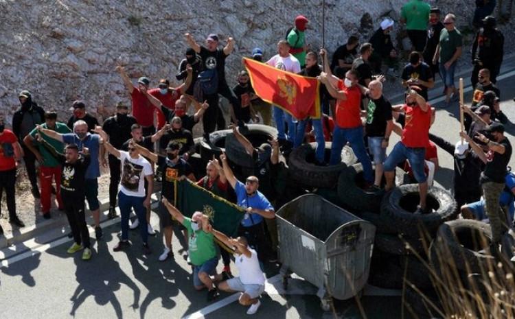 Neredi na Cetinju početkom septembra