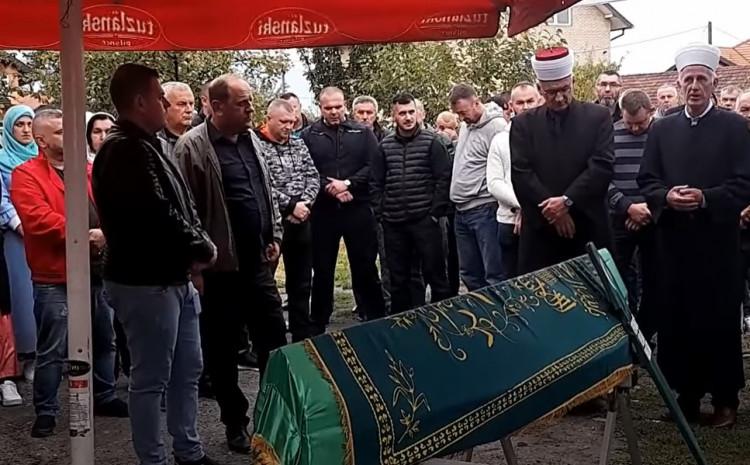 Klanjana dženaza Veliji Begoviću