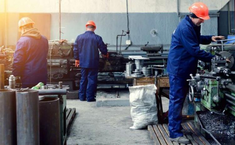 Dvije firme u BiH nevakcinisanim radnicima zabranile rad