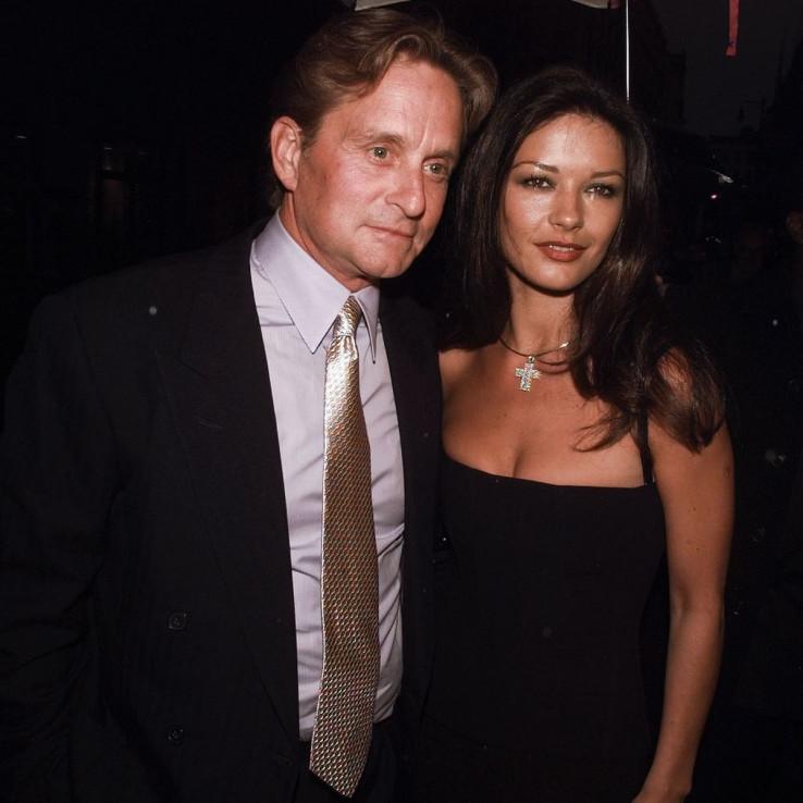 Majkl Kirk Daglas i Ketrin Zeta Džons u mlađim danima