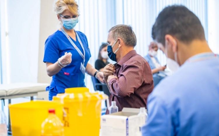 Prvu dozu vakcine u Crnoj Gori primilo je 52 posto punoljetnog stanovništva, a revakcinisano 45,7 posto