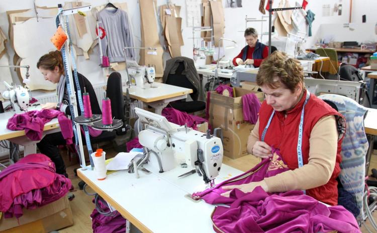Najnižu plaću imaju šivači, odnosno zaposleni u tekstilnoj, kožnoj i odjevnoj industriji