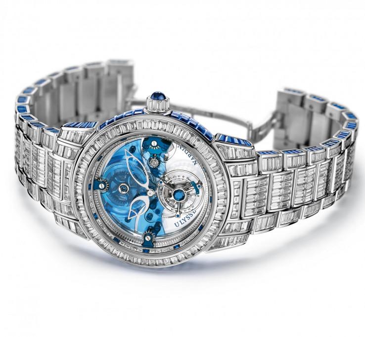 Optočen je s 850 dijamanata, te dio limitirane serije koja se sastoji od svega 10 primjeraka