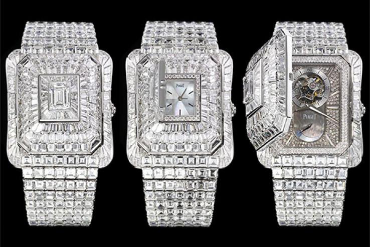 Kućište vanjskog sata prekriveno je s 481 briljantom i 207 baguette dijamanata, dok onaj unutrašnji krase 162 briljanta i 11 baguette dijamanata.