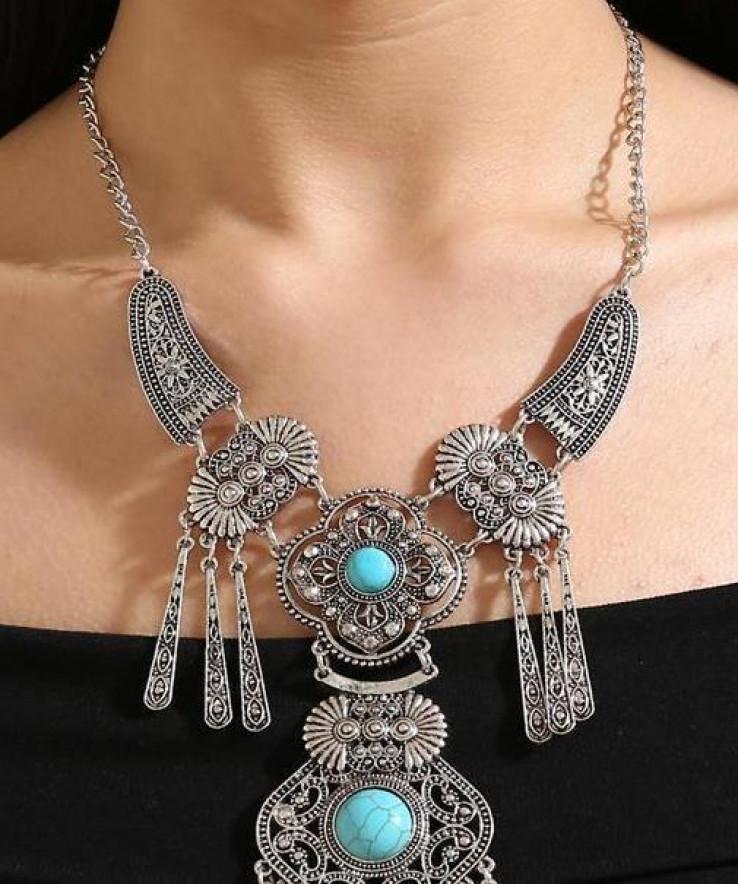 Dugačke ogrlice razigrat će styling u tonovima jeseni i zime.