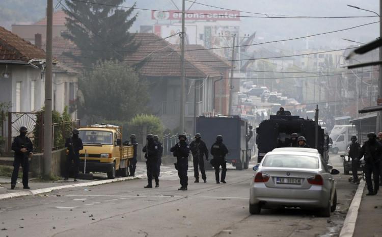 Šest policajaca povrijeđeno