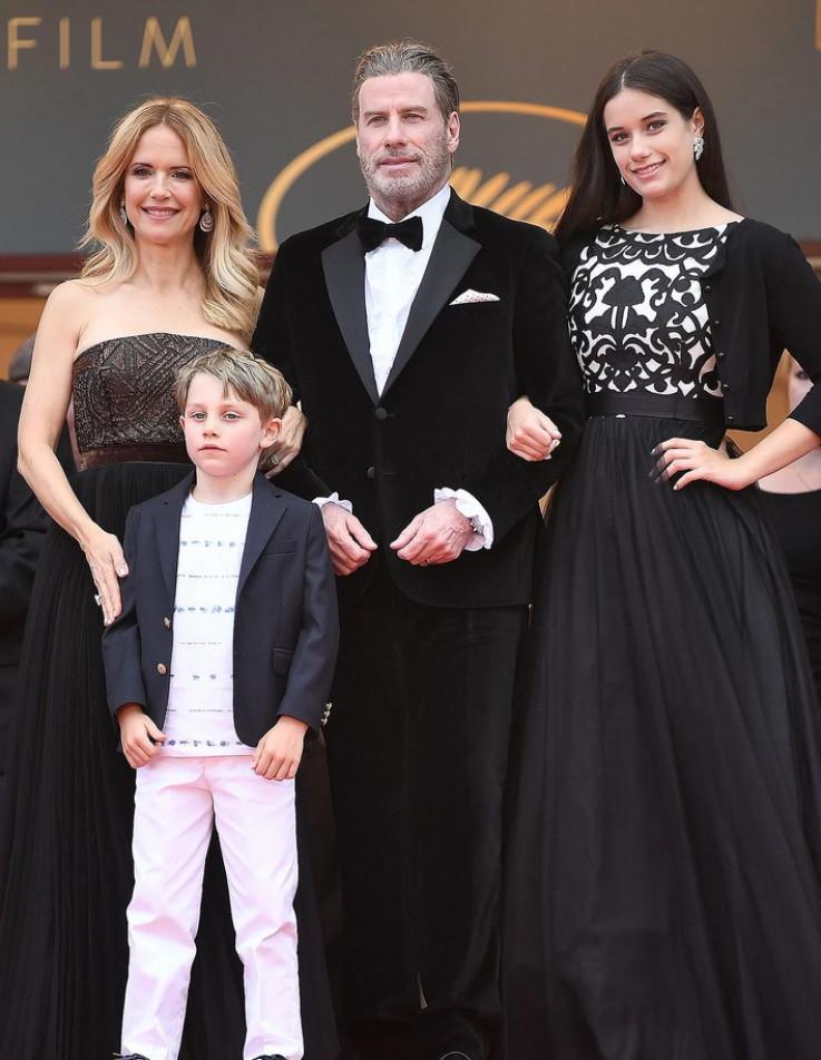 Preston i Travolta sa djecom